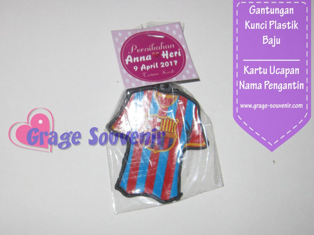 Distributor souvenir gantungan kunci baju murah